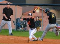 この画像は、サイトの記事「三重高校 野球部 ノック 動画集 YouTube無料視聴映像まとめ!」のイメージ写真画像として利用しています。