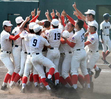この画像は、サイトの記事「第99回 全国高校野球 和歌山大会 ネットで話題 YouTube注目無料視聴動画ご紹介!」のイメージ写真画像として利用しています。