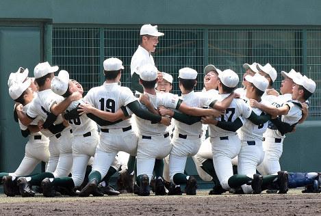 この画像は、サイトの記事「夏の高校野球 和歌山大会 2017 ネットで話題 YouTube注目無料視聴動画ご紹介!」のイメージ写真画像として利用しています。